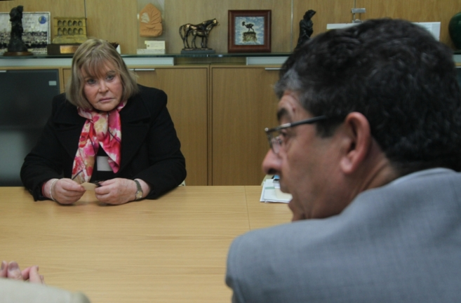 La juez María Servini de Cubría, con el vicepresidente de la Junta,...