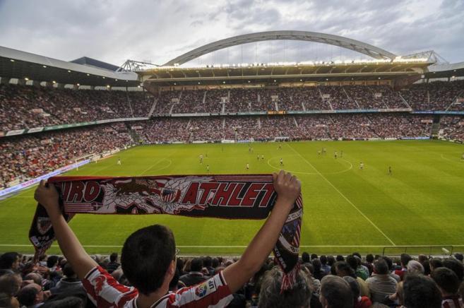 Lleno en un partido de la Liga entre Athletic de Bilbao y el Levante.