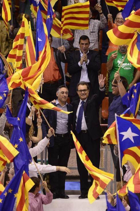 Artur Mas y el candidato Ramon Tremosa, en el mitin final de campaña...