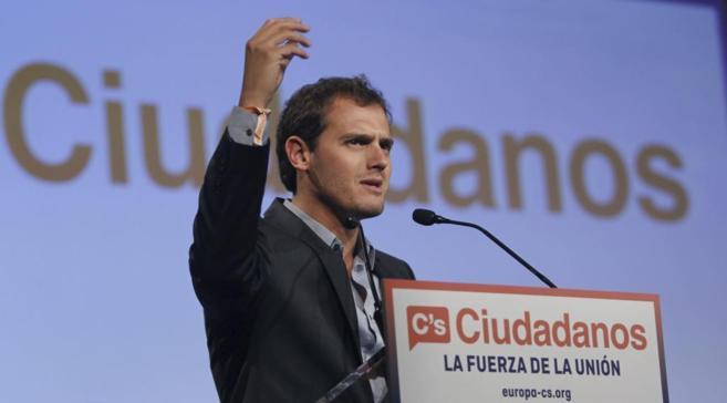 Rivera, en su mitin final de campaña.