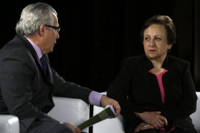 La abogada iraní y Premio Nobel de la Paz. Shirin Ebadi con el ex...