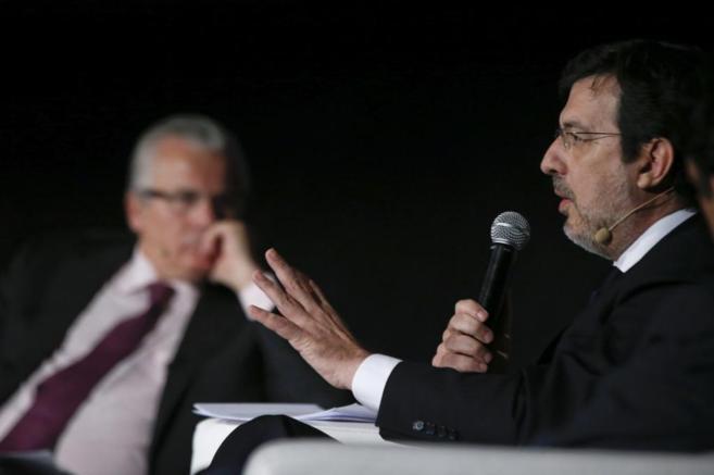 De izda. a dcha. Baltasar Garzón y el juez de la Audiencia Nacional,...