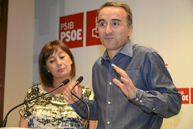 Pere Joan Pons y Francina Armengol comparecen en rueda de prensa tras...