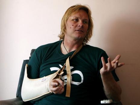 John All, ya a salvo en el hospital de Katmandú