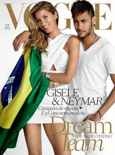 Gisele y Neymar, retratados por Testino en la portada de Vogue Brasil.