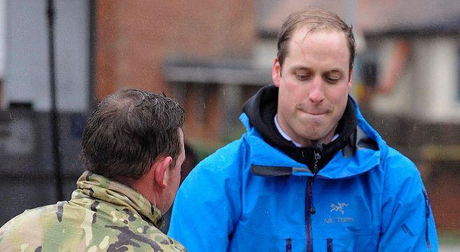 El príncipe Guillermo, en la unidad de operaciones de rescate del...