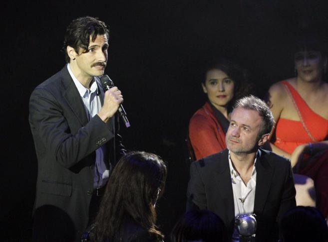 El actor Juan Diego Botto pronuncia unas palabras tras recoger el...