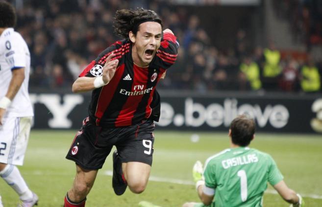 Inzaghi celebra un gol contra el Real Madrid durante su época de...