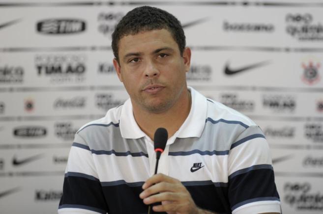 El ex futbolista brasileño durante una rueda de prensa.