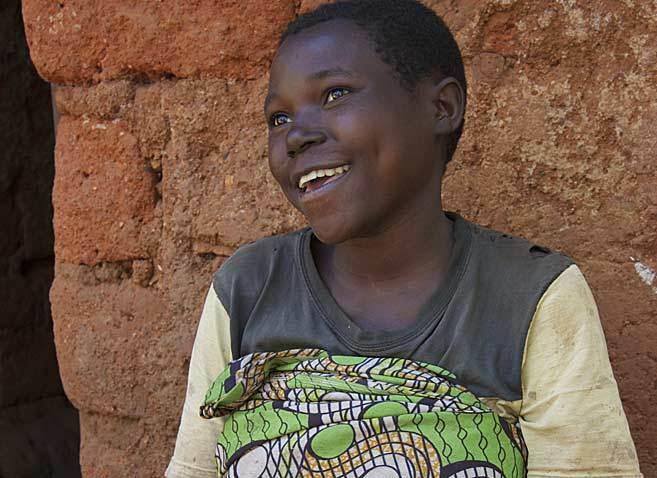 Valérie, de 19 años, que vive en la aldea de Mwaro-Mavuvu, en...