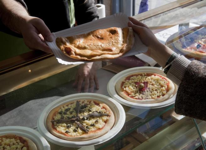 La crisis ha fomentado el consumo de comida rápida que se caracteriza...
