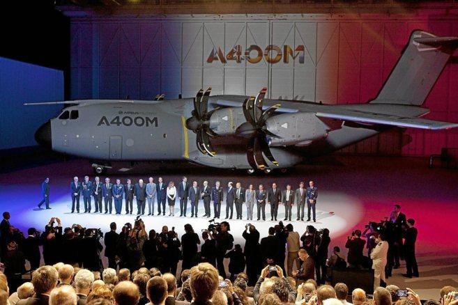 Ceremonia de entrega del primer A400M en la planta de Airbus de...
