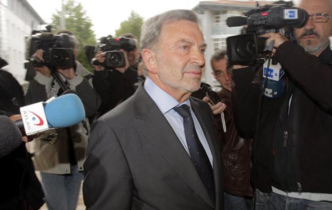 El presidente de Adif en 2011 Antonio González Marín, a su llegada...