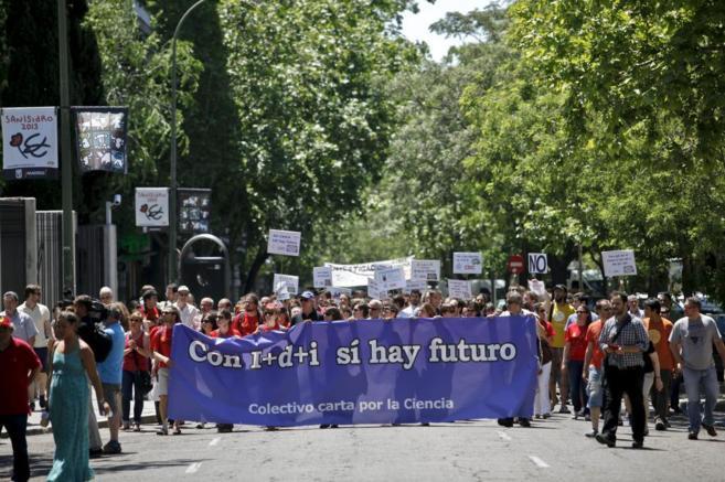 Manifestación de científicos contra los recortes en I+D en Madrid en...