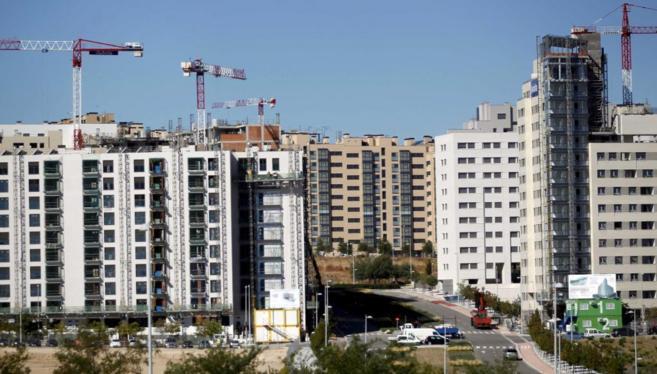 Viviendas en construcción en el barrio de Valdebebas, Madrid.