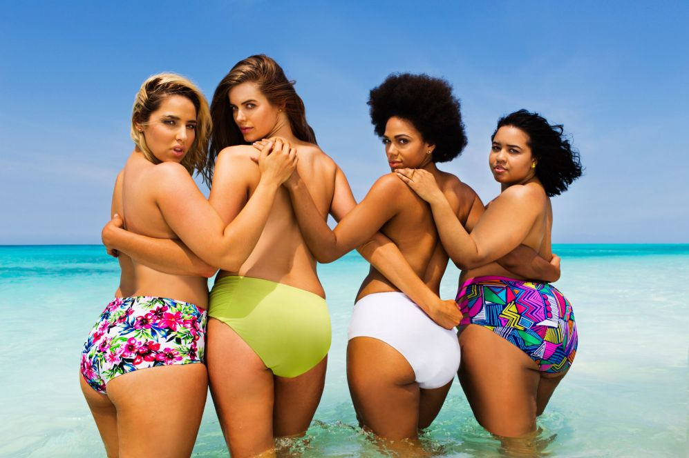 Cuatro mujeres, tres modelos -una, la australiana Robyn Lawley,...