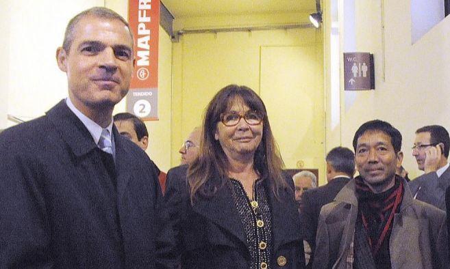 Jerôme Bonnafont (i), actual embajador de Francia en España, la...