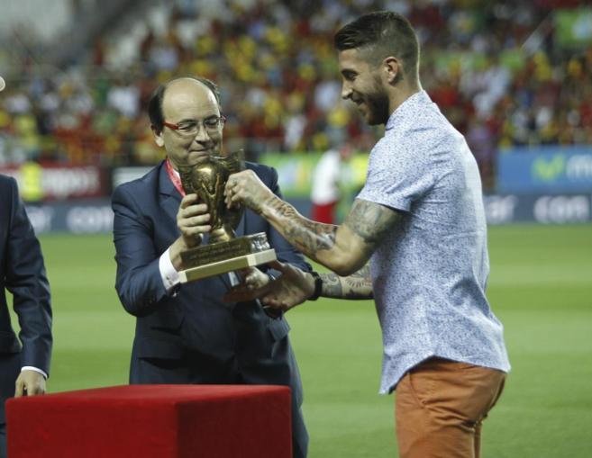 Sergio Ramos, en el homenaje que recibió en el Sánchez Pizjuán.