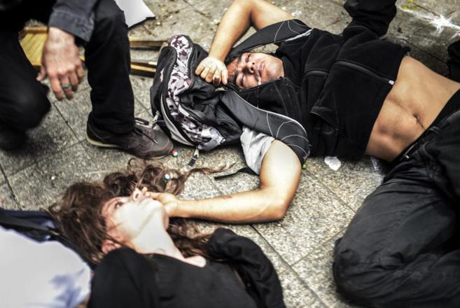 Dos heridos por gases en la plaza Taksim, este sábado, en el centro...