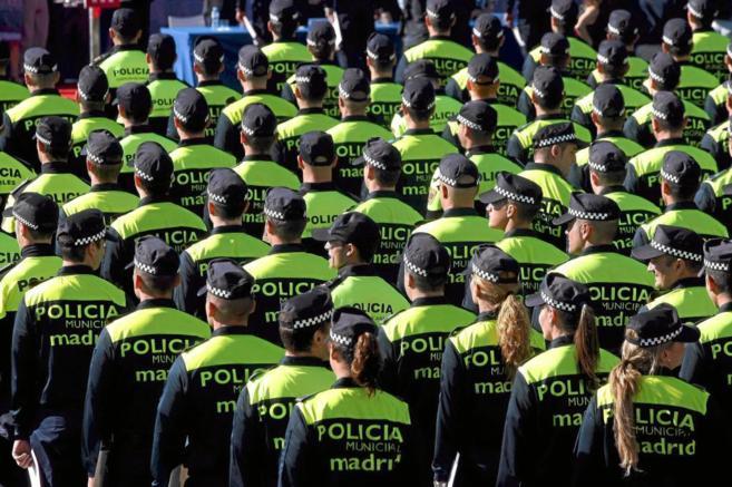 Graduación de una promoción de agentes municipales de Madrid en la...