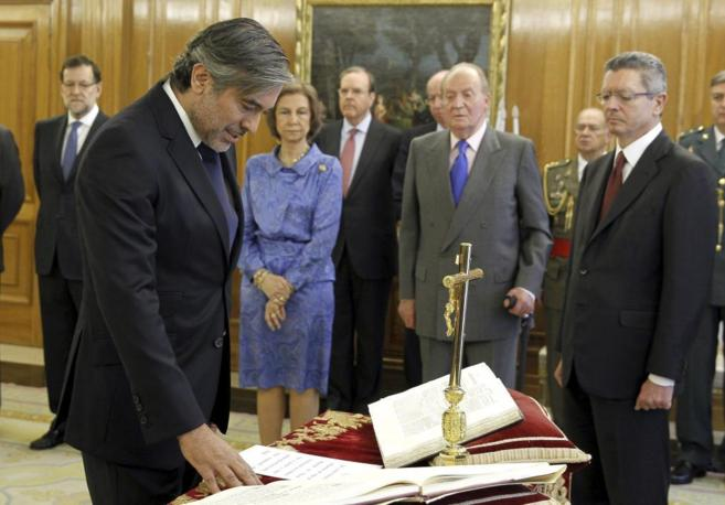 Enrique López jura su cargo ante el presidente del Gobierno, los...