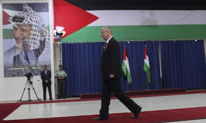 Hamdallah se dispone a jurar su cargo de primer ministro ante un...