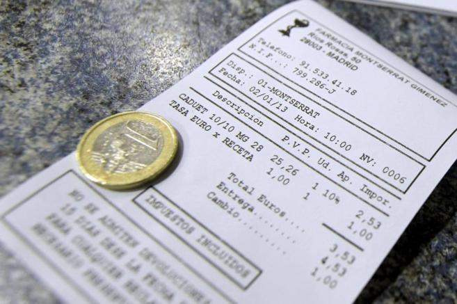 Una factura en la que se aplica la tasa de un euro.