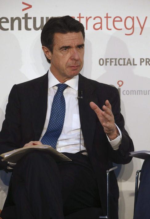 José Manuel Soria, durante su intervención hoy en la jornada...