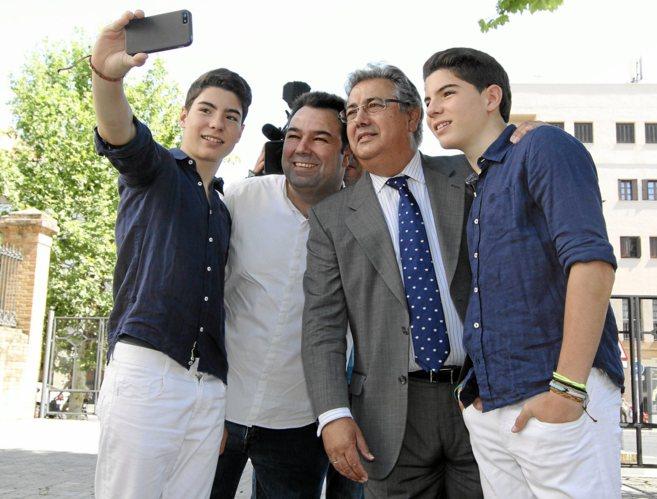 Los gemelos Daniel y Jesús Oviedo, Rafael Almarcha y Zoido se hacen...