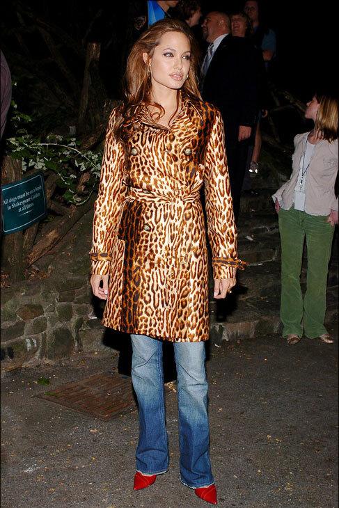 Angelina parece haber desterrado de su armario algunas tendencias,...
