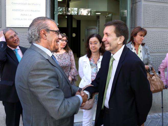 El consejero de Asuntos Sociales con el Fiscal Superior de Madrid.