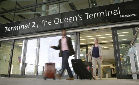 Los primeros pasajeros de Heathrow.