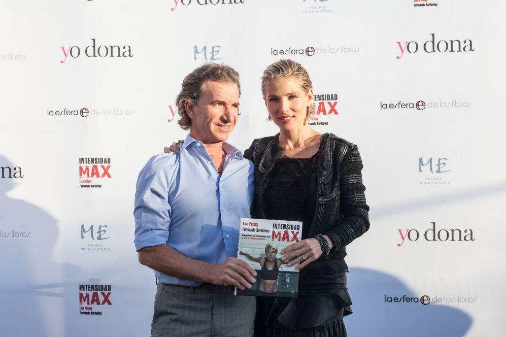 Elsa Pataky junto a su 'coach' Fernando Sartorius, con quien ha...