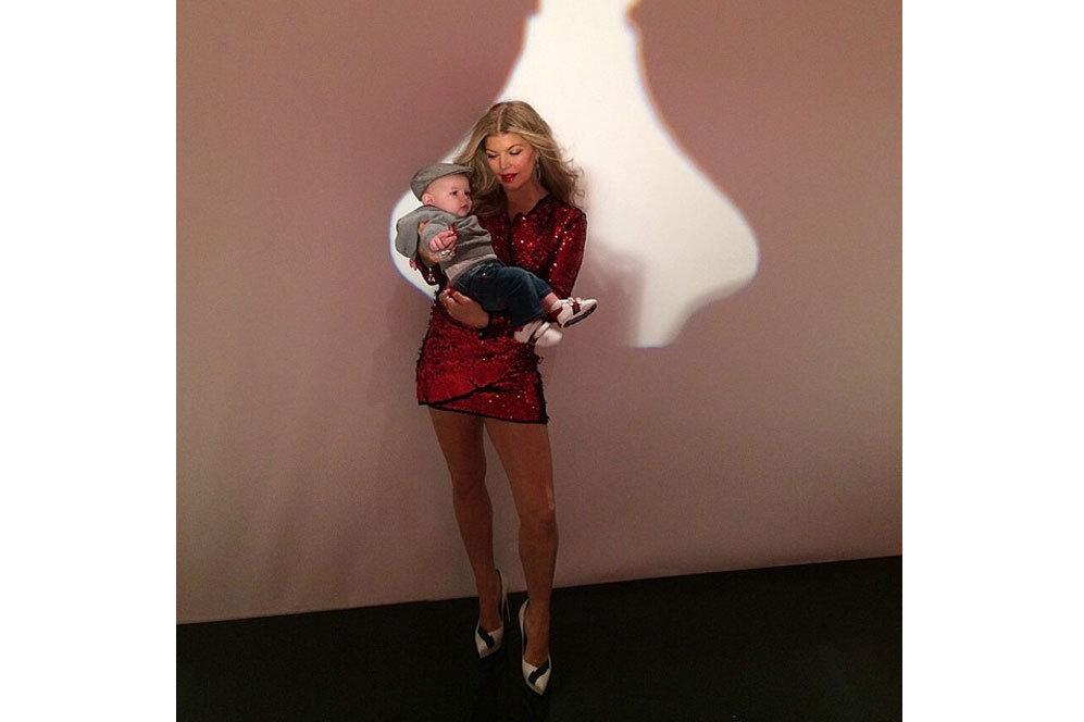 Fergie no se separa de su hijo y acude con él a sus compromisos...