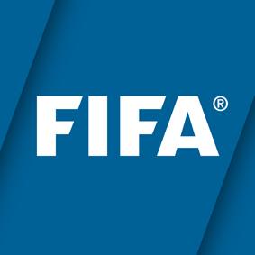 <STRONG>LA OFICIAL.</STRONG>  Para cualquier amante del fútbol, la app oficial de FIFA es imprescindible. Mantiene una base de datos actualizada en tiempo real con los resultados de más de 102 ligas en todo el mundo. Será la app donde FIFA dará acceso a la información detallada de la evolución del Mundial. Gratuita. Android y iOS.