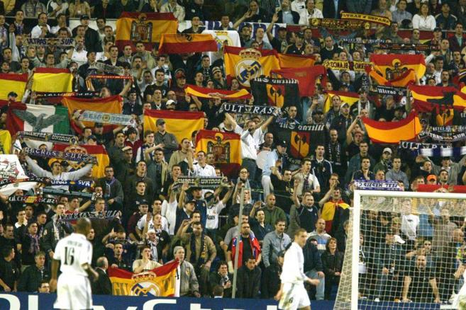 Miembros de los Ultras Sur, durante un partido de fútbol en el...