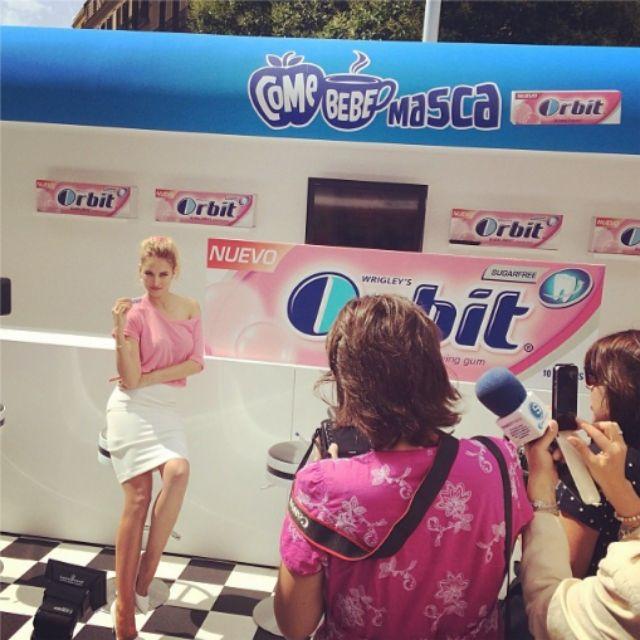 La modelo Alba Carillo, imagen de una marca de chicles. La modelo ha...