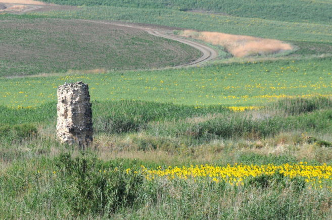 Resto arqueológico en el llamado Valle de los Arquillos (Foto: Junta...