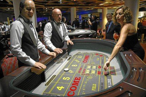 Imagen de una de las mesas de juego del nuevo Casino de Mallorca.