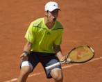 Munar celebra un punto durante el Roland Garros junior en París,...