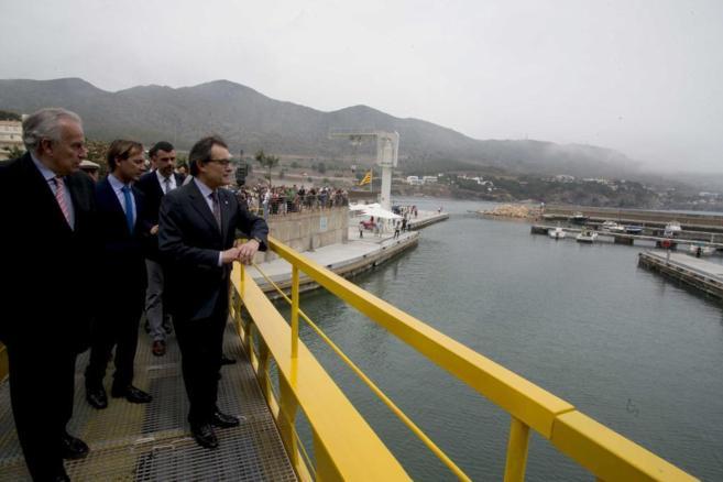 El presidente de la Generalitat, Artur Mas, durante su visita a Colera