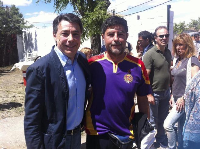 El presidente de la Comunidad de Madrid, Ignacio González, con un...