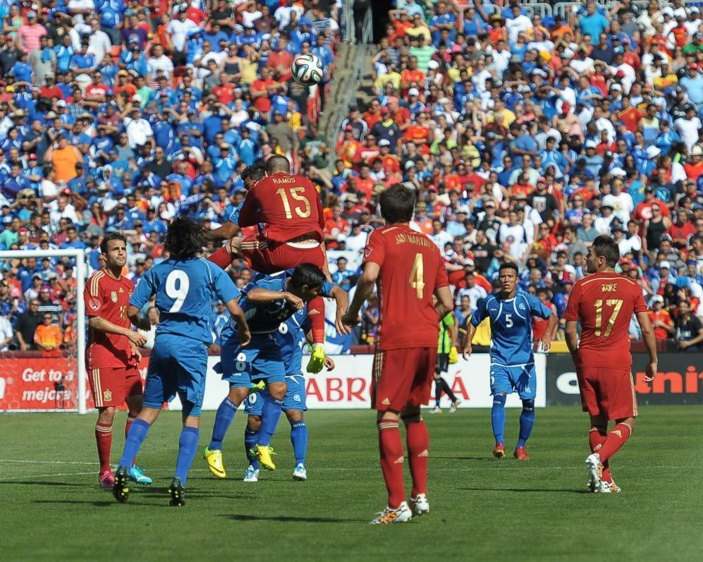 Sergio Ramos buscó el gol y se incorporó al ataque en numerosas...