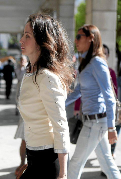 La juez Mercedes Alaya llega al juzgado en Sevilla.