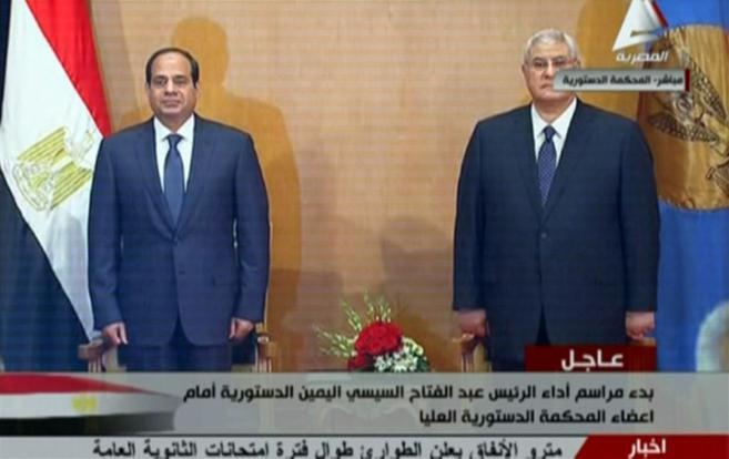 El ex jefe del Ejército egipcio Abdel Fattah Al Sisi, durante la jura...