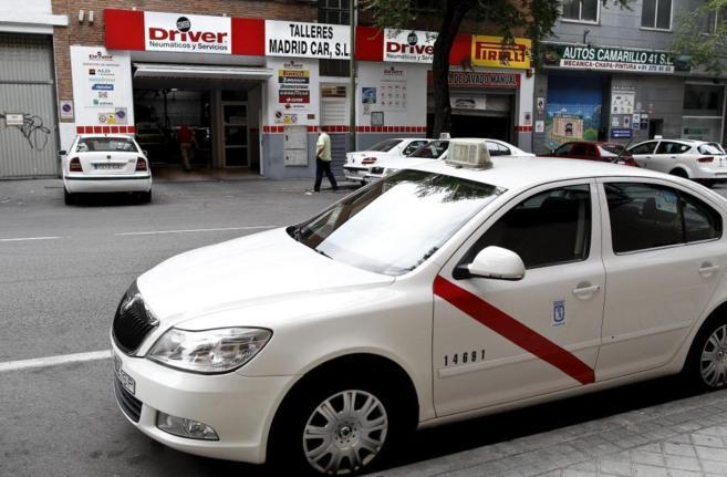 Un taxi en las calles de Madrid.