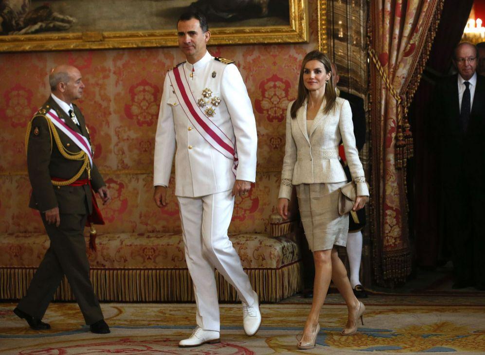 Los Príncipes de Asturias, en la recepción de este domingo. La...
