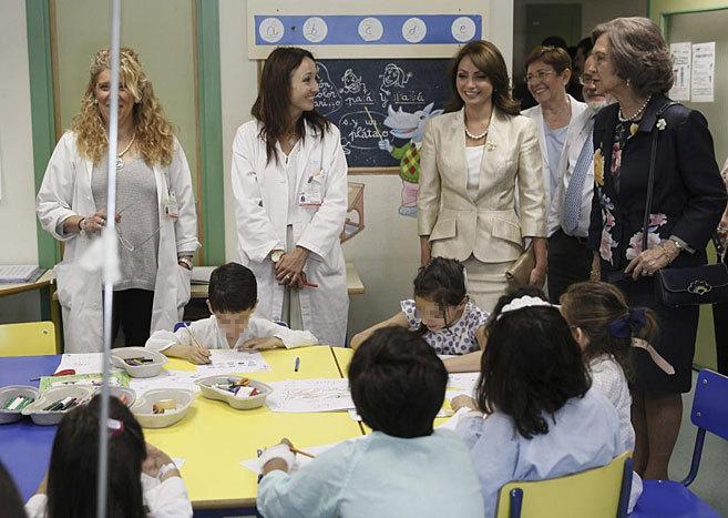 La Reina Sofía y la primera dama de México, durante su visita a La...