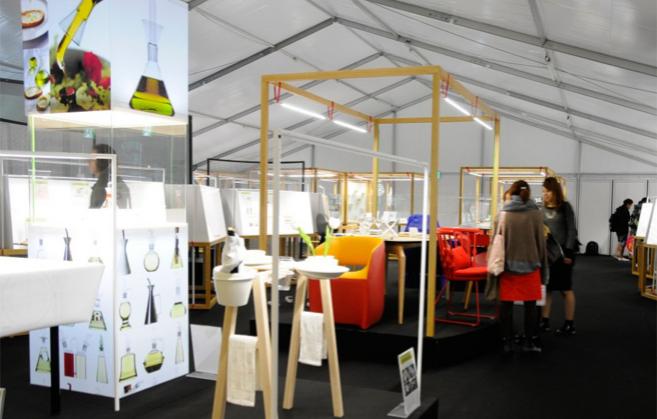Vista de la exposición en el Tokio Designers Week.