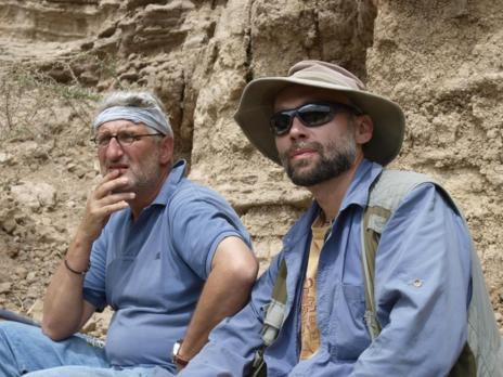 Enrique Baquedano y Manuel Domínguez-Rodrigo en Olduvai.